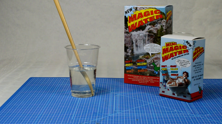 Helder Magic Water mengsel na 10 minuten roeren