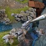 Bewegend water boven aan de waterval