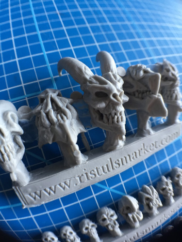 Ristuls Extraordinary Market Monster Skulls